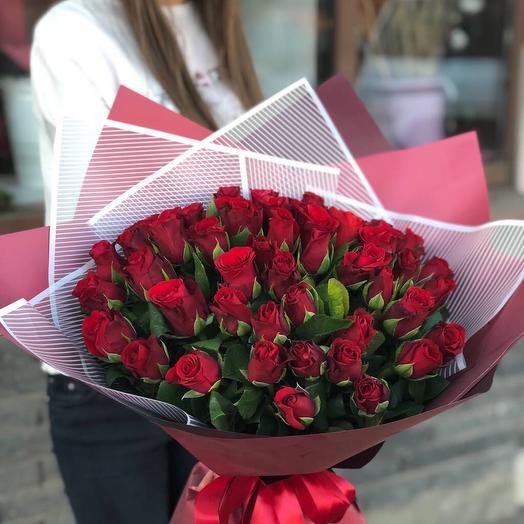 51 роза в оригинальном оформлении: букеты цветов на заказ Flowwow