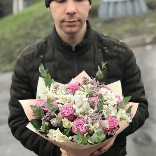 Розы и альстромерии в букете: букеты цветов на заказ Flowwow