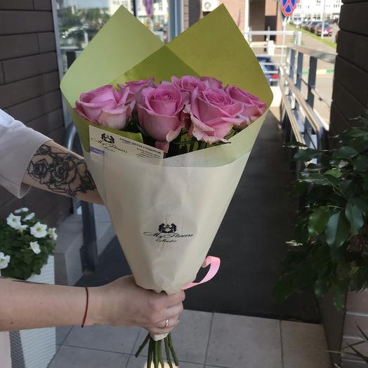 7 розовых роз в тишью