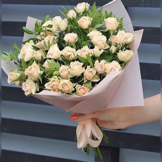 Букет из 9 белых кустовых роз 70 см: букеты цветов на заказ Flowwow