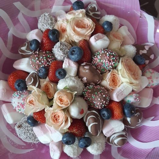 Клубничный букет «Roses