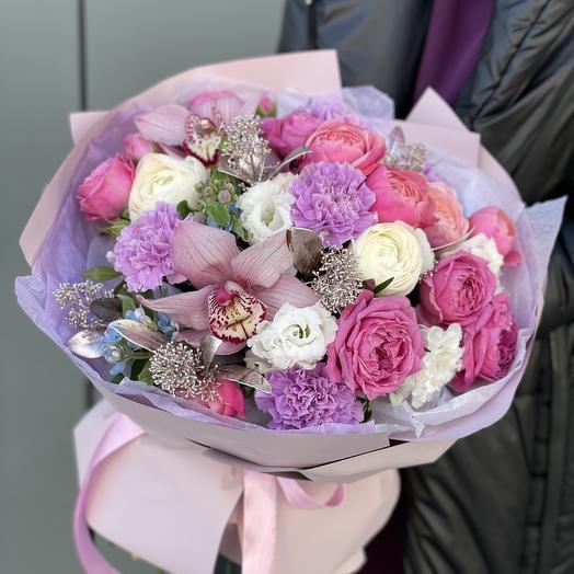 Букет Сахарная глазурь из роз, эустомы, диантуса, оксипеталума и скиммии