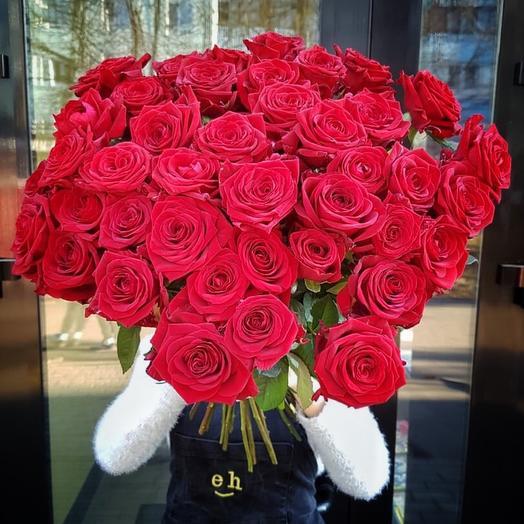 Букет из 51 розы «Ред Наоми»
