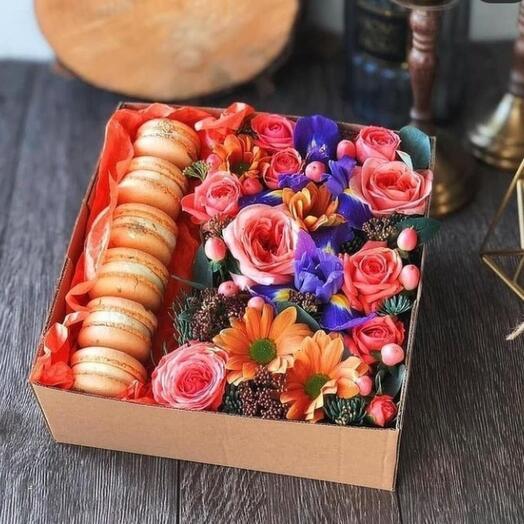 Коробочки с макаронс в ассортименте