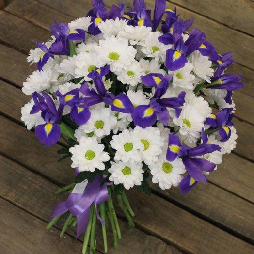 Букет из ирисов и хризантем: букеты цветов на заказ Flowwow