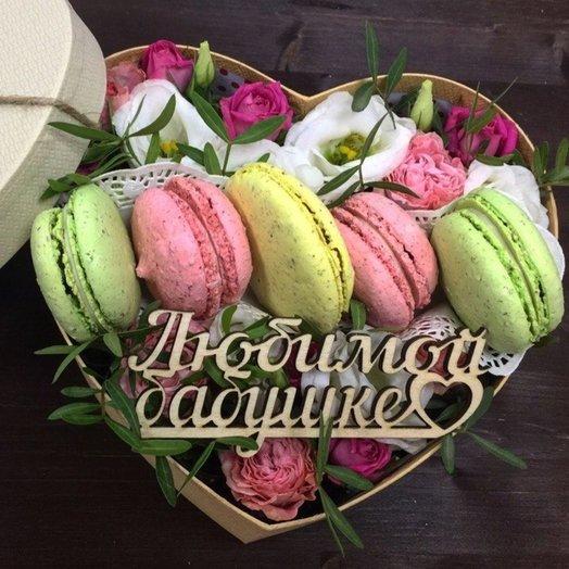 Коробочка с макаронами: букеты цветов на заказ Flowwow