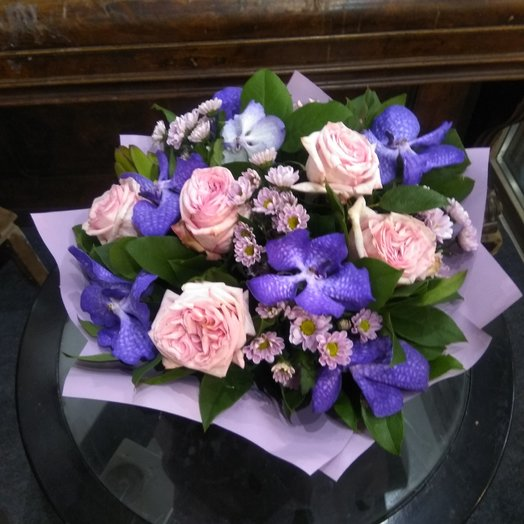 Очарование роза Дэвид Остин и орхидея ванда. долго-играющий букет: букеты цветов на заказ Flowwow