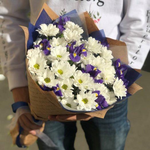 Монобукеты. Хризантемы Белая. Ирисы. N218: букеты цветов на заказ Flowwow