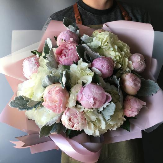 Пионы с гортензией: букеты цветов на заказ Flowwow