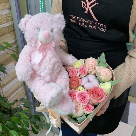 Милая композиция с мишкой: букеты цветов на заказ Flowwow
