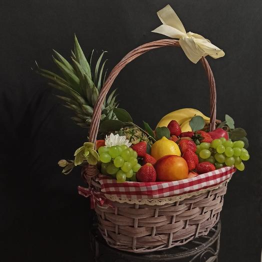 "Корзина фруктов ""Эдемские сады"": букеты цветов на заказ Flowwow"