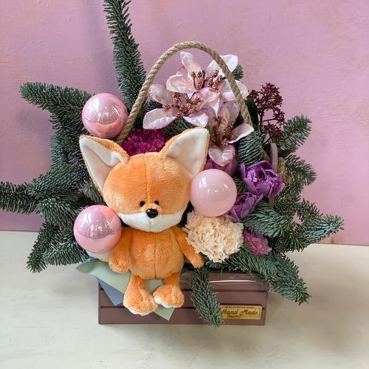 Лисичка с розовыми шарами