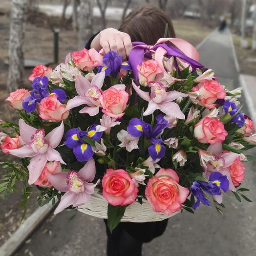 Basket with rose and irises