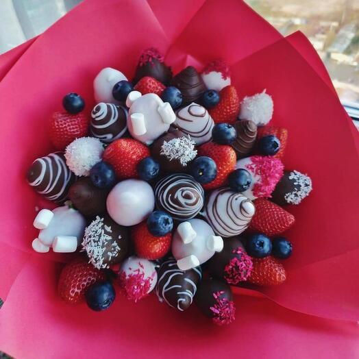 Клубничный букет «Шоколад из Марса»