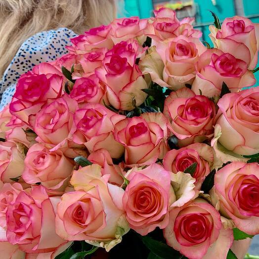 Букет з 25 троянд