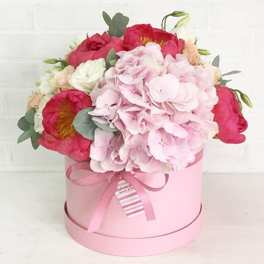 Композиция с гортензией: букеты цветов на заказ Flowwow
