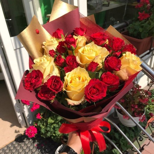 Бархатный презент: букеты цветов на заказ Flowwow