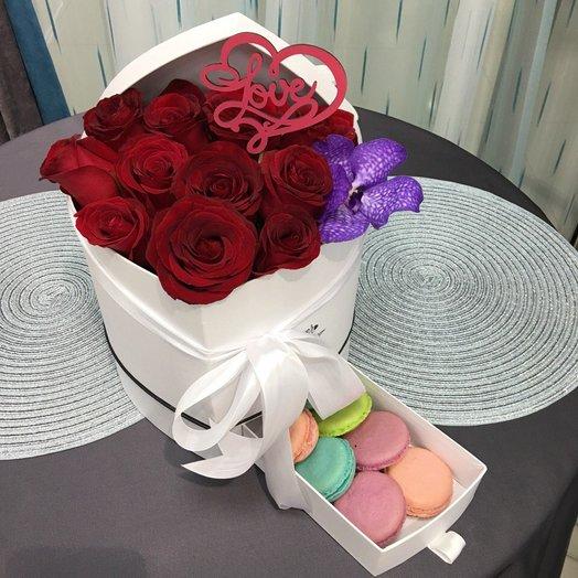 Любовный сюрприз: букеты цветов на заказ Flowwow