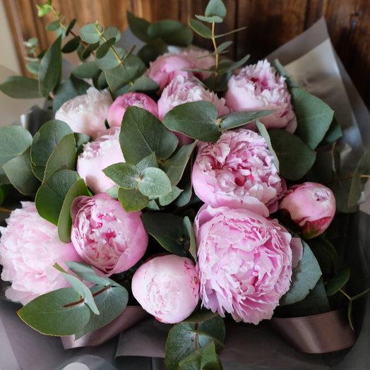 Розовые пионы: букеты цветов на заказ Flowwow