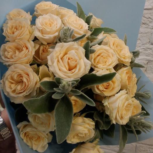 Шикарная кустовая роза: букеты цветов на заказ Flowwow