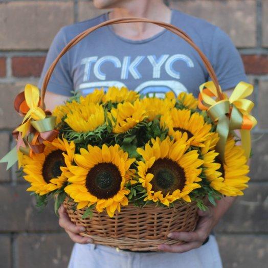 15 подсолнухов в корзине: букеты цветов на заказ Flowwow