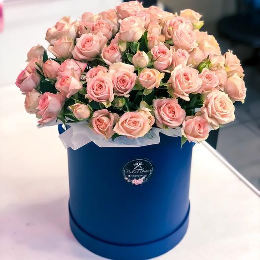 Коробка с кустовой розой