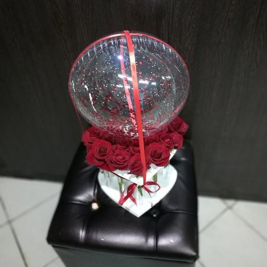 Роза в колбе с шаром