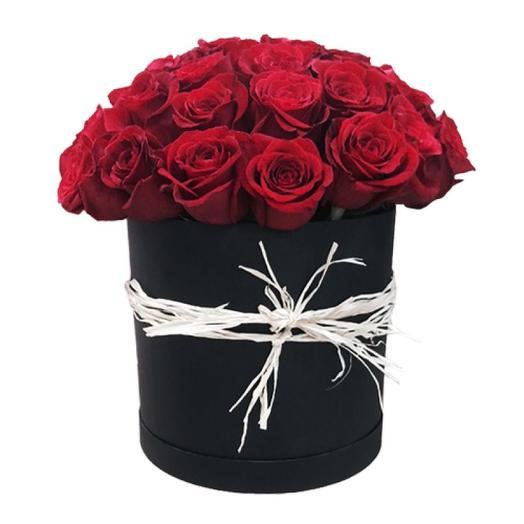 Шляпная коробка с розами: букеты цветов на заказ Flowwow