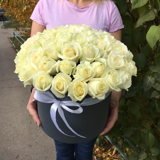 51 white rose in box