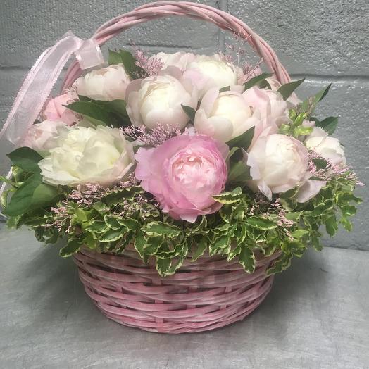 Корзинка Розовое счастье: букеты цветов на заказ Flowwow