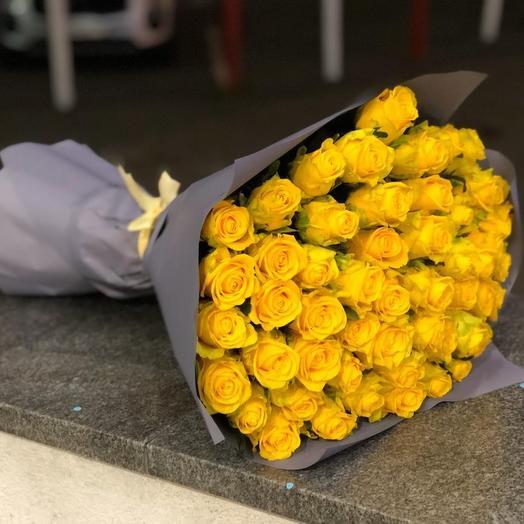 51 желтая роза люкс