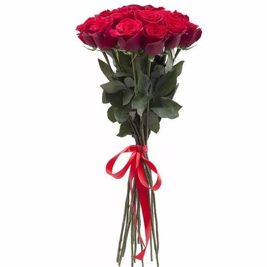 11 высоких красных роз под ленту