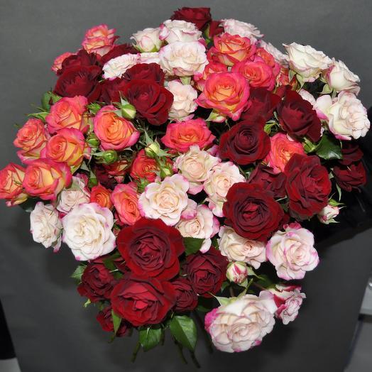 """Букет из 21 кенийских кустовых роз """"МИКС"""" 60см"""