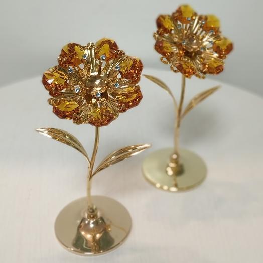 Цветочек аленький с кристаллами Сваровски