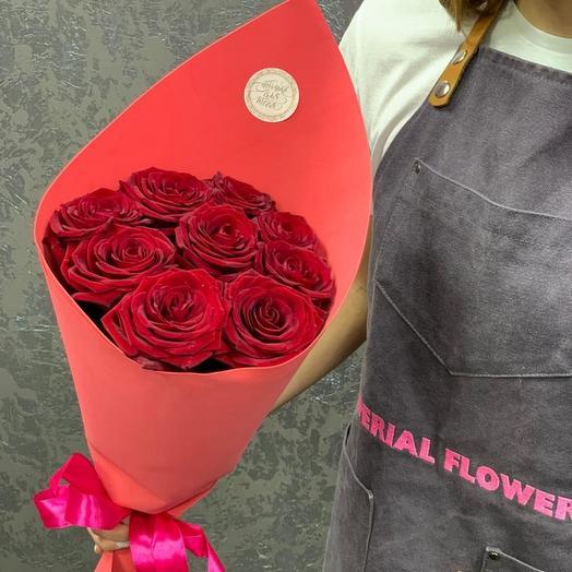 Конвкртик красных роз