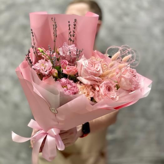 Букет «Нежность» с розами и лавандой