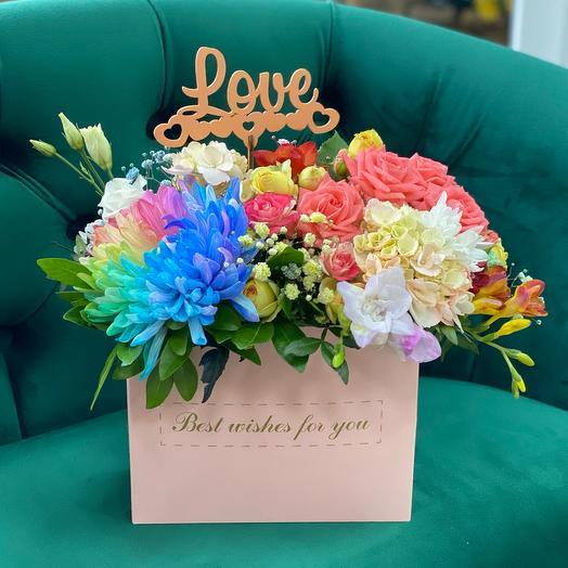 Цветы в коробке с топпером
