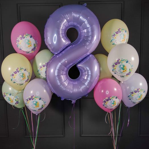 Разноцветные нежные шары с сиреневой цифрой на 8 марта