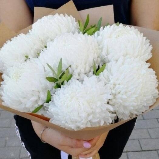 Белые шары-хризантемы
