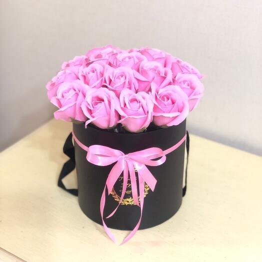Мыльные розы в чёрной коробке
