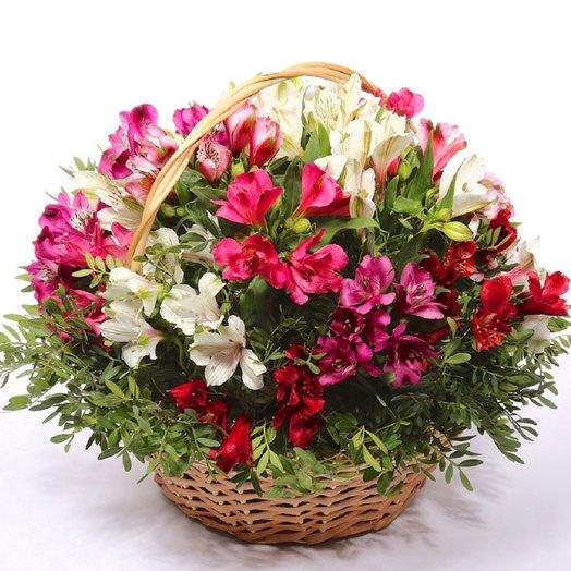Сборная корзина 61: букеты цветов на заказ Flowwow