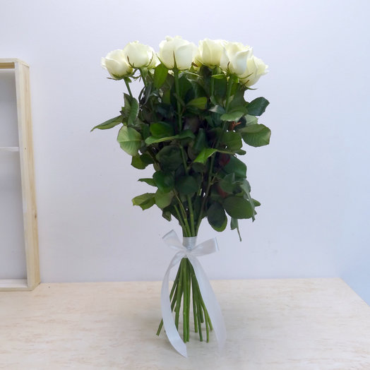 15 белых роз 60 см: букеты цветов на заказ Flowwow