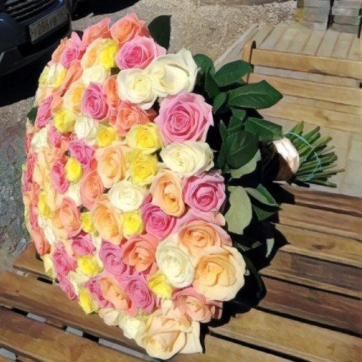 Букет из 101 розы микс: букеты цветов на заказ Flowwow