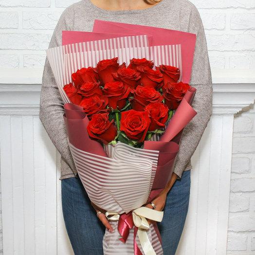 Букет из 15 красных эквадорских роз: букеты цветов на заказ Flowwow