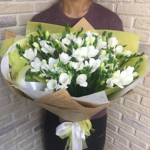 Фрезия: букеты цветов на заказ Flowwow