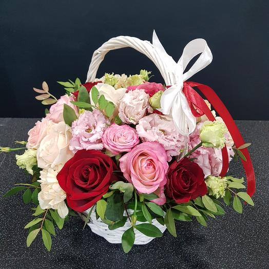 Корзина с цветами: букеты цветов на заказ Flowwow