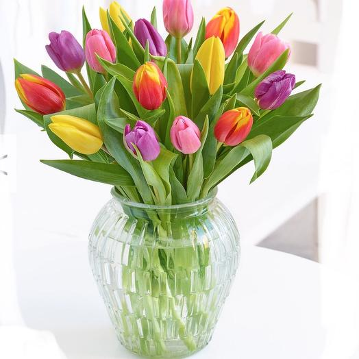 March 8: flowers to order Flowwow
