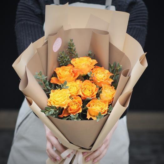 Букет-комплимент: солнечные розы: букеты цветов на заказ Flowwow
