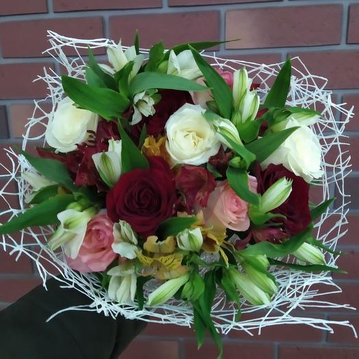 Розы в компании