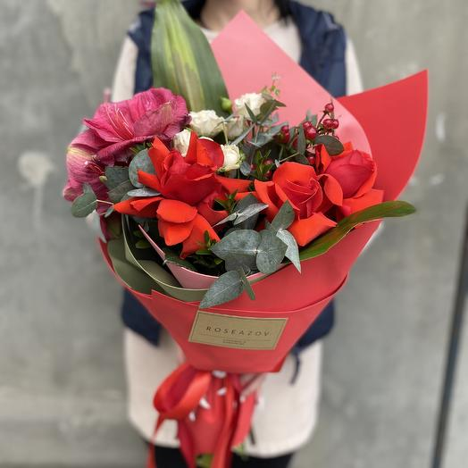 Bright colors: flowers to order Flowwow